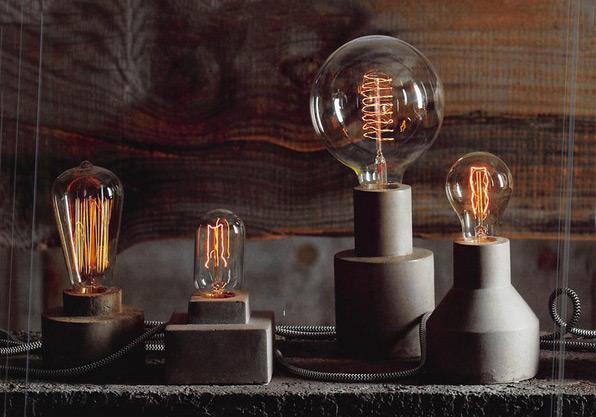 Vintage-style Light Bulb Accents